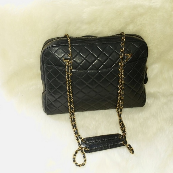 f0318d57ef3c CHANEL Handbags - Chanel Vtg Black Quilted Chain Handle Zip Top Tote